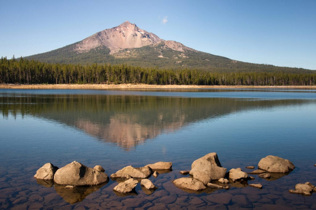 Mount Mcloughlin and Sky Lake Cascade Mountain Range Oregon State to illustrate Sustainable concrete solutions